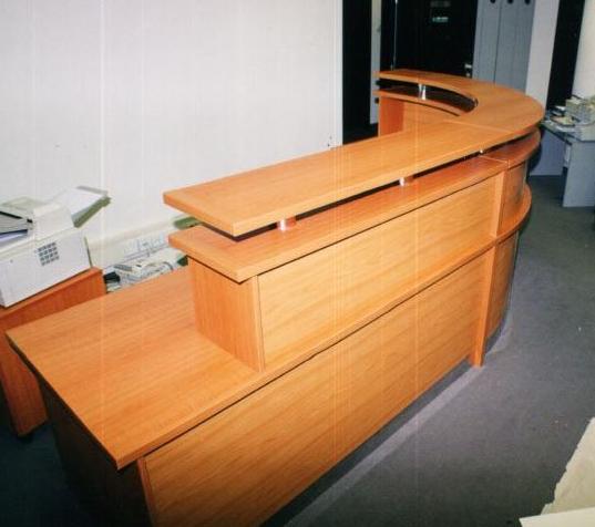 AJTÓKERET Bt. - Ajtó, ablak, bútor készítő és javító Bt.